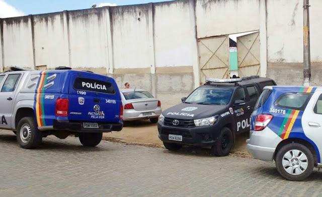 Infratores rendem agente e fogem da FUNASE de Garanhuns