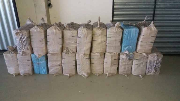 PF apreende 650 kg de cocaína e prende 8 pessoas em Pernambuco