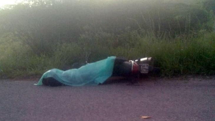 Homem morto às margens de rodovia em Panelas
