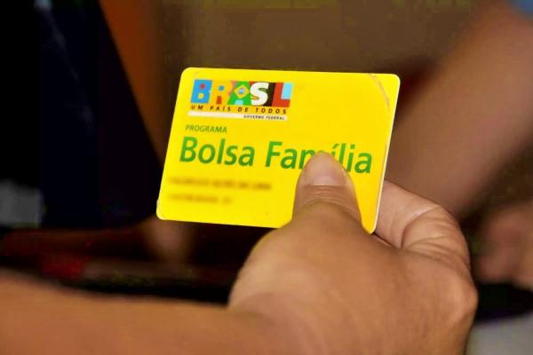Auxílio Emergencial é pago hoje para beneficiários do Bolsa Família; veja calendário