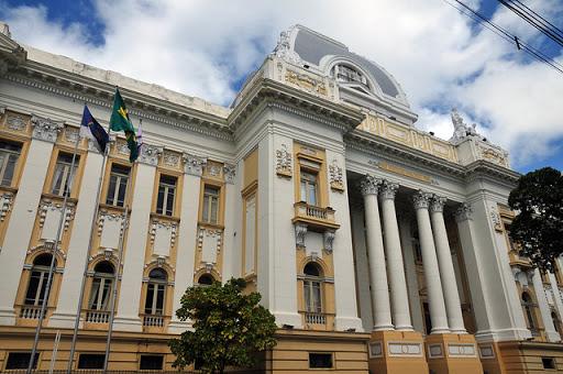 Judiciário promove entrega de 2,1 mil títulos de propriedade a famílias de Pernambuco