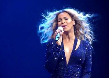 Taylor Swift bate recorde inédito após lançamento de novo álbum musical; assista