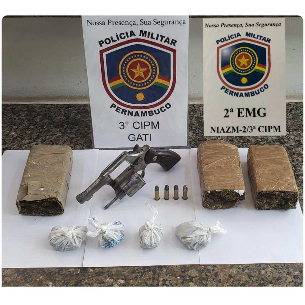 PM apreende arma e drogas em Goiana