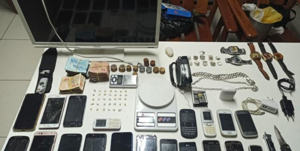 Equipe do Koban apreende drogas e produtos roubados em Caruaru