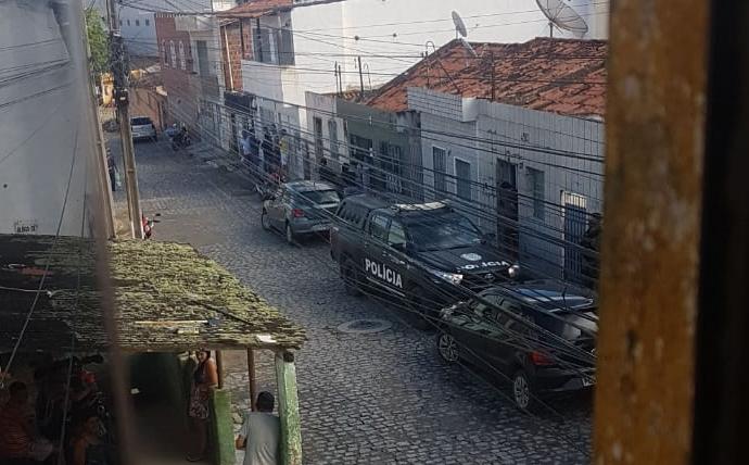 Gravatá: Polícia Militar evita sequestro e roubo majorado no bairro das Graças