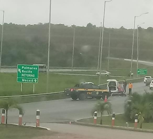 Grave acidente de moto registrado na BR-101 em Palmares