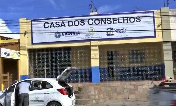 """Ex-motorista do Conselho Tutelar de Gravatá se defende de acusações: """"não estava bebendo"""""""