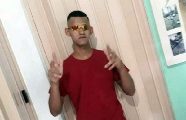 Adolescente suspeito de praticar roubos é executado com vários tiros