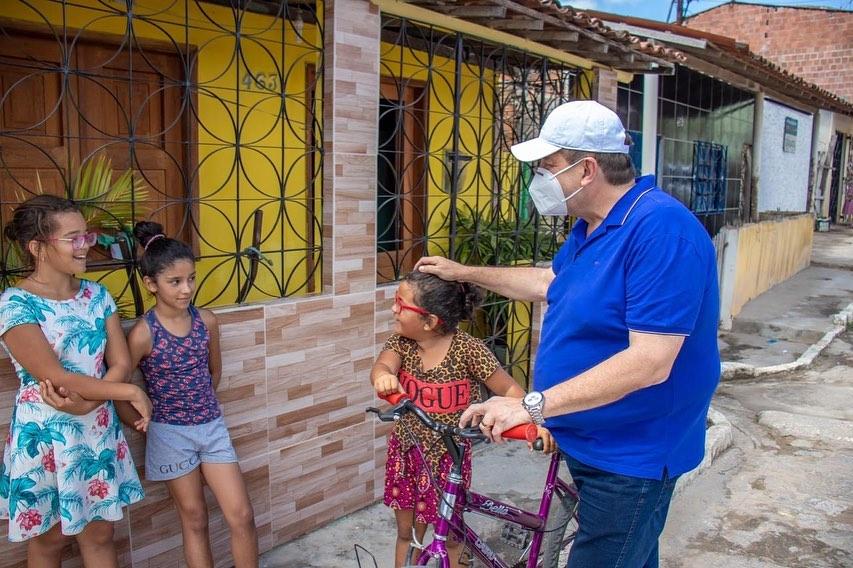 Joaquim Neto abre campanha eleitoral visitando bairro Novo