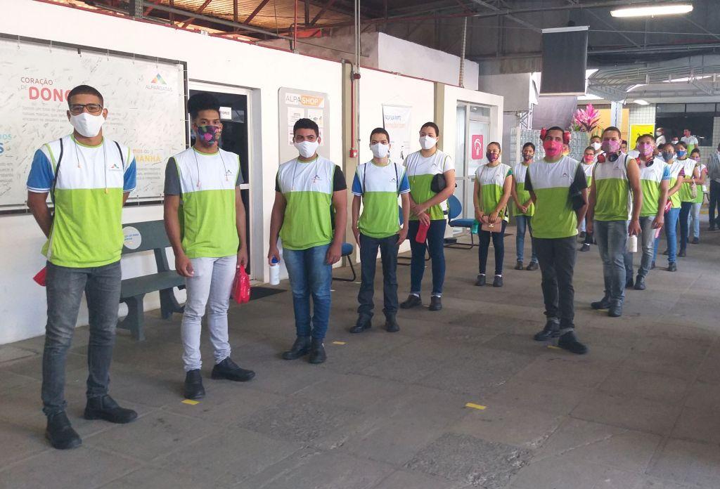 Alpargatas contrata mais de 40 aprendizes formados pelo SENAI