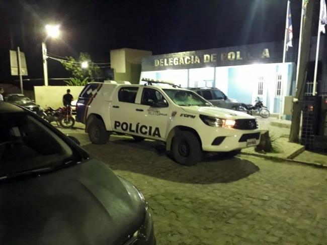 Gravatá: PM prende rapaz traficando drogas no centro