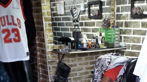 Rapaz morto a tiros quando cortava cabelo em barbearia de Toritama