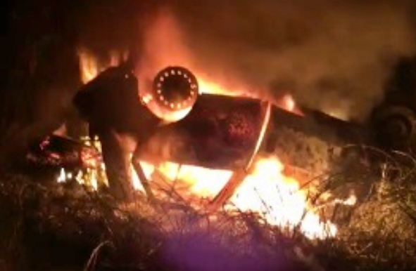 Agrestina: carro capota e mata duas pessoas carbonizadas na BR-104