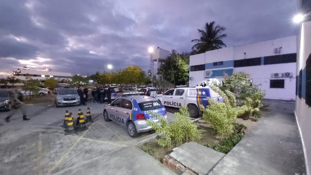 Polícia Civil deflagra operação em Caruaru para desarticular organização criminosa