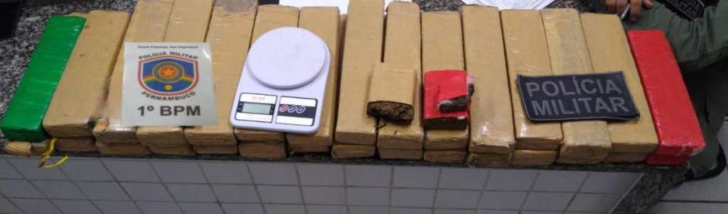 Suspeitos de traficarem drogas são presos com 31 quilos de maconha em Olinda