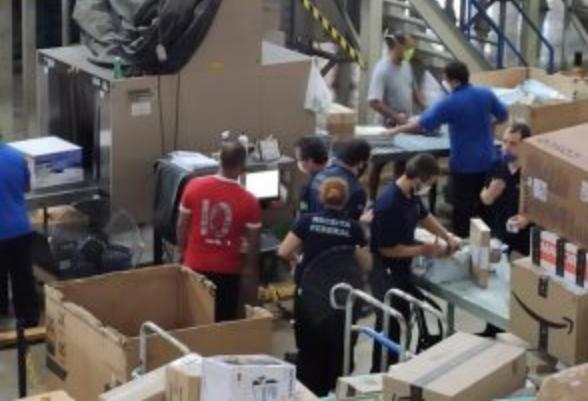 Operação Black Friday da Receita Federal apreende 2 milhões em encomendas irregulares