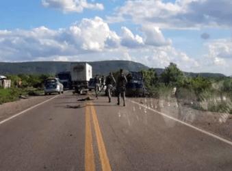 Criminosos explodem carro-forte no interior de Pernambuco