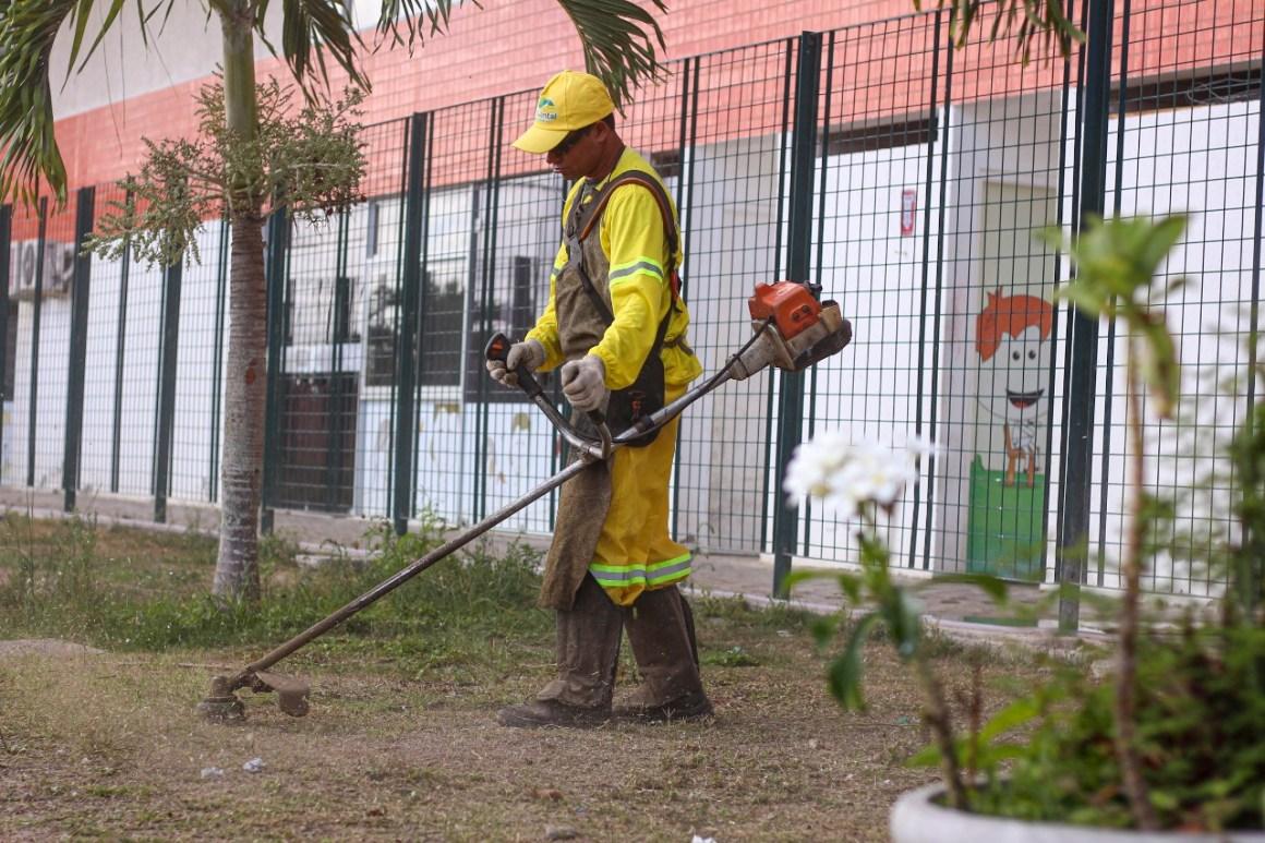 Mutirão de limpeza é realizado no Parque da Cidade