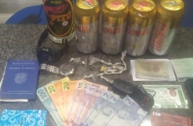Trio é detido com drogas em carro em São Lourenço da Mata