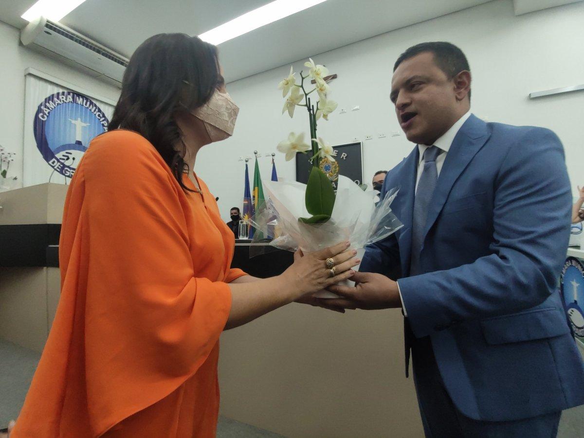 Câmara Municipal homenageia primeira-dama de Gravatá