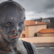 Homem alienígena retira parte do lábio e ganha fama mundial