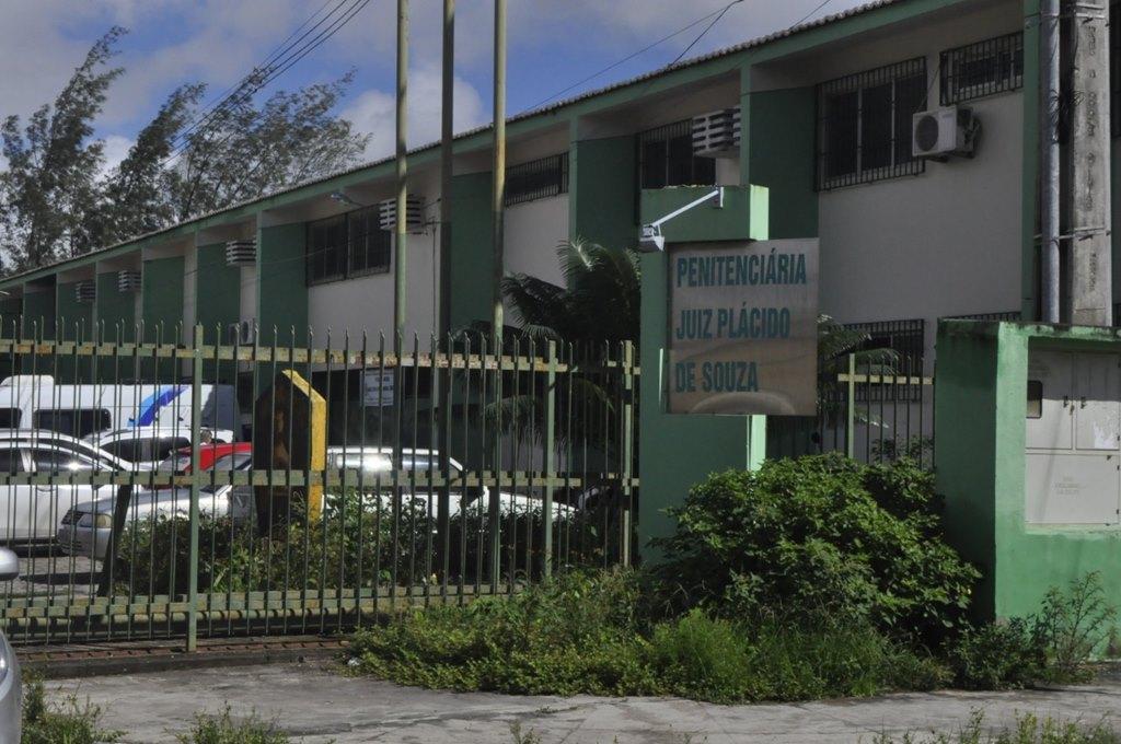 Três suspeitos de estuprarem mulher são presos em Caruaru