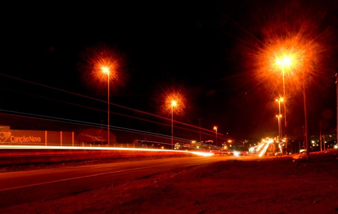 Gravatá: Prefeitura realiza manutenção em postes e iluminação da via local da BR 232
