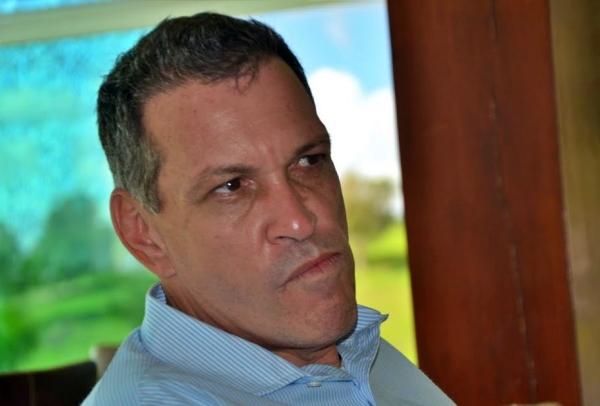 """""""Que aberração é essa?"""" detona João Machado contra prefeitura de Gravatá"""