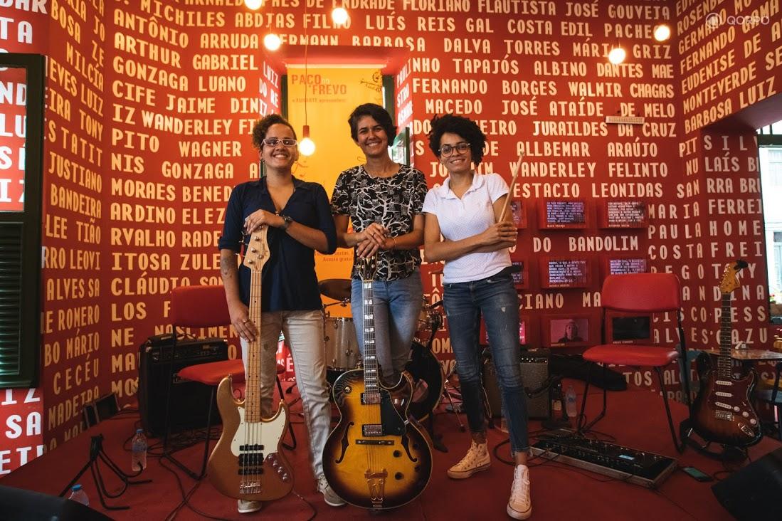 Lígia Fernandes Trio homenageia a versatilidade da guitarra e a presença das mulheres no cenário musical, com live gratuita