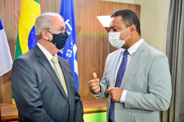 Gravatá: Padre Joselito reconhece vitória de Léo do AR e envia ofício de felicitações pela presidência da Câmara