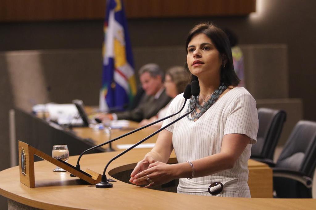 Priscila Krause pede inclusão de óticas como serviços essenciais no novo período de quarentena em PE