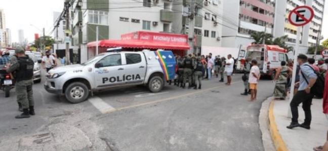 Olinda: Homem esfaqueia funcionária de agência bancária por suposta informação errada
