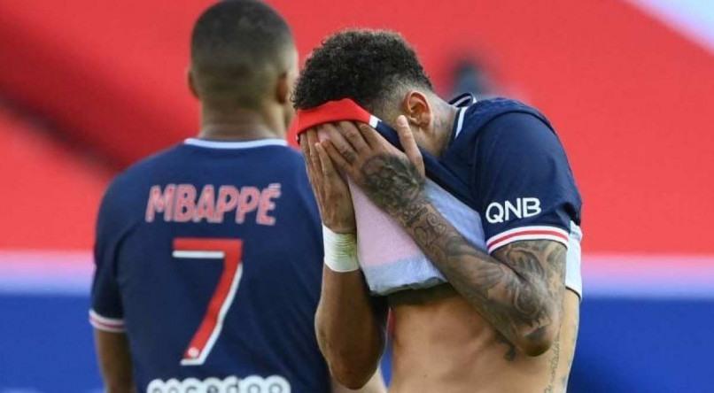 Neymar é expulso em jogo onde o PSG perdeu a liderança para o Lille