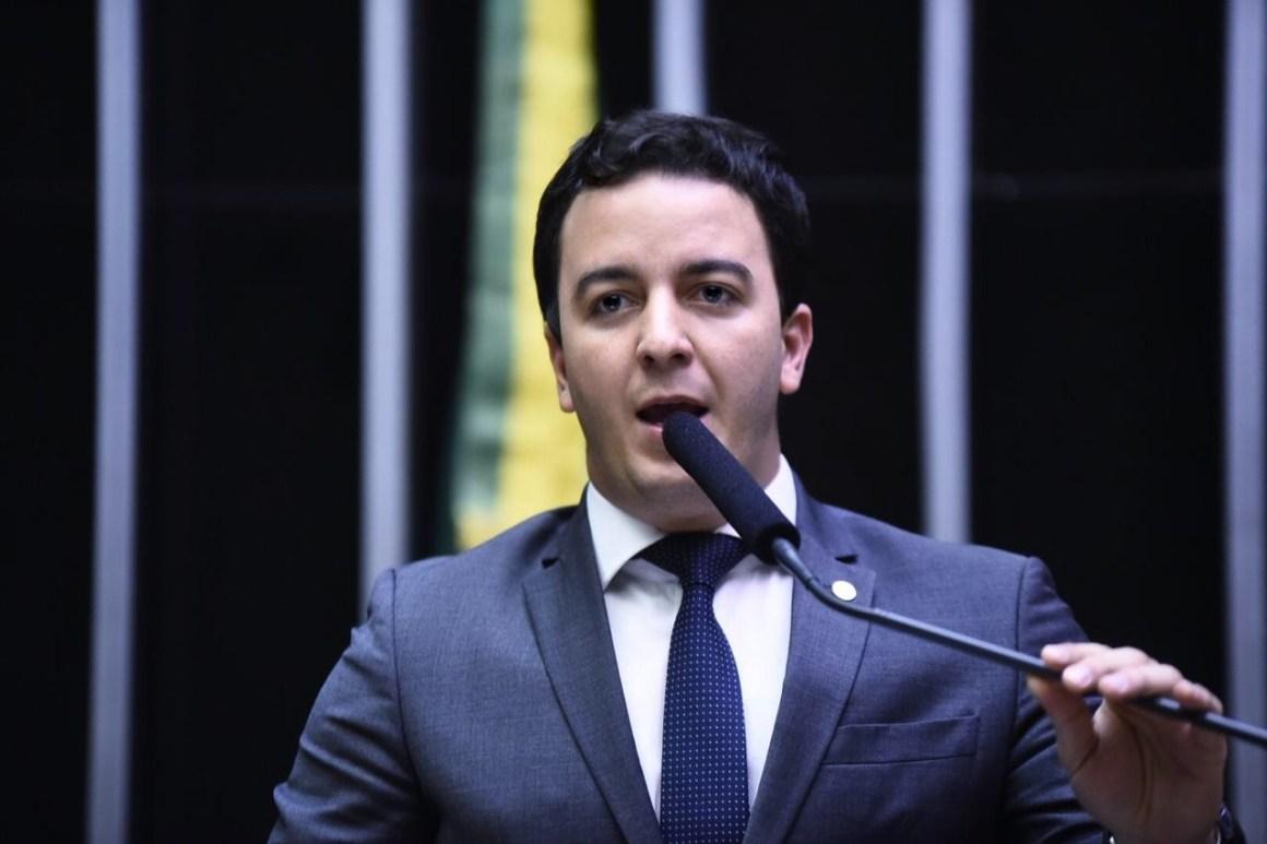 Deputado propõe quebra de patente para acelerar vacinação no Brasil