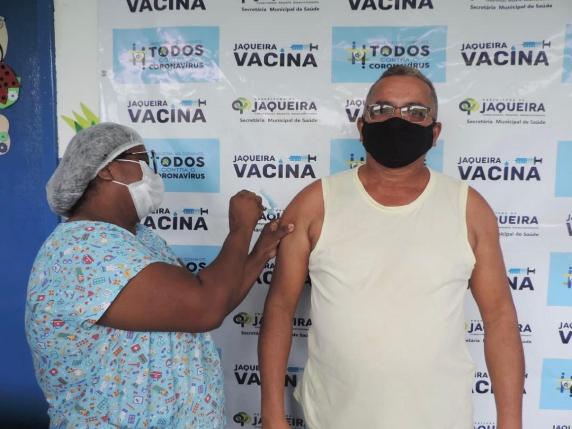 foto william cavalcanti vacinacao em jaqueira