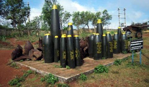 Na tunele Vinh Moc spadło w sumie 9000 ton amerykańskich bomb... (loswiaheros.pl)