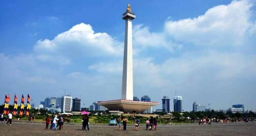 Narodowy pomnik Monas - duma Dżakarty. (loswiaheros.pl)