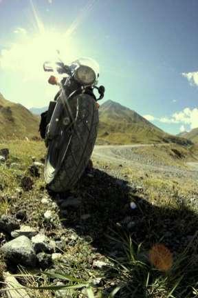 Mateusz ma już za sobą wyprawy motocyklowe. Jedna z nich odbyła się w okół Morza Czarnego. (Fot. Mateusz Widuch)
