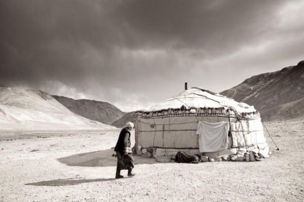 Jurty w Tadżykistanie. Zdjęcie z poprzedniej wyprawy. (Fot. Mikołaj Korwin Kochanowski)