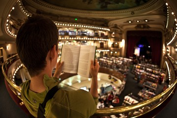 6. ARGENTYNA, El Ateneo. Przed wyborem konkretnej książki można spokojnie usiąść i poczytać. (Fot. Agnieszka i Mateusz Waligóra)