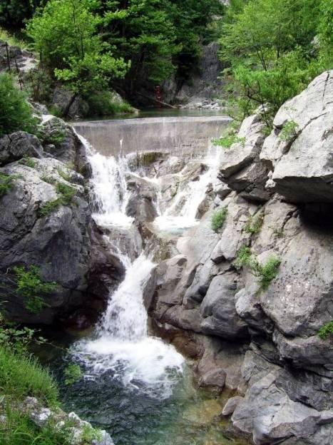 Grecja, Wodospad Wanny Afrodyty w drodze na Olimp