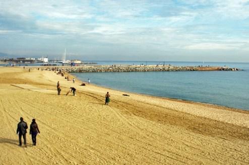 Plaża w Barcelonie w grudniowy dzień (Fot. Ewa Serwicka)