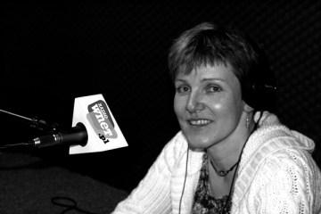 Monika Witkowska w studiu Radia Wnet (fot. Natalia Mileszyk)