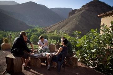 śniadanie w dolinie Atlasu