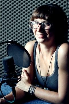 Kasia Boni w studiu radia Wnet.