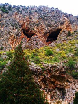 Jaskinie niedaleko miejscowości Distomo