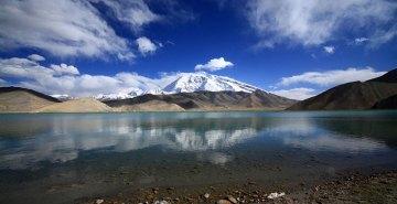 Jezioro Karakol w chińskiej prowincji Xinjiang