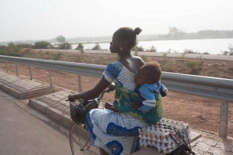 Rowerzystka z Burkina Faso
