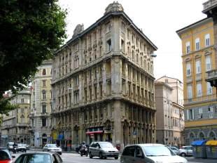 Charakterystyczny budynek w Trieście