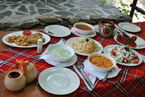 Na pewno jednym z mocniejszych atutów Bułgarii jest jej kuchnia! Palce lizać! (Fot. Igor Rumiński)